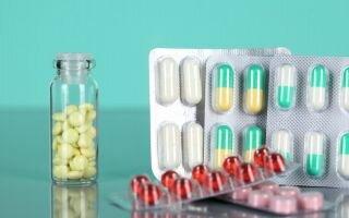 Чем лечить простатит у мужчин: список лекарств